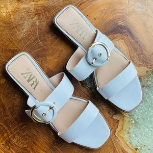 Zara White Flat Leather Sandals with Buckle